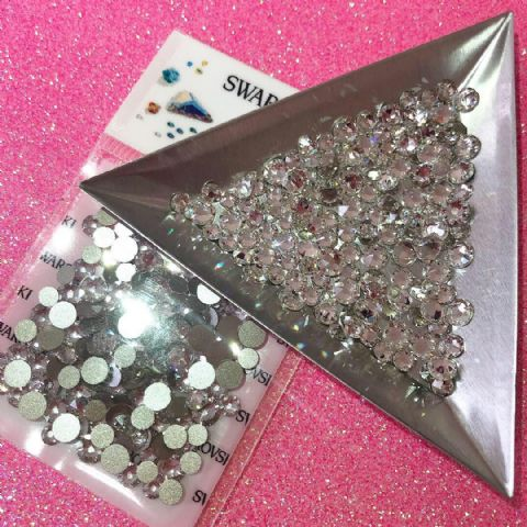 Mixed Pack of 150pc Swarovski Flatback Crystals, Non-Hotfix, Mix Of Sizes SS14/SS16/SS20. Crystal